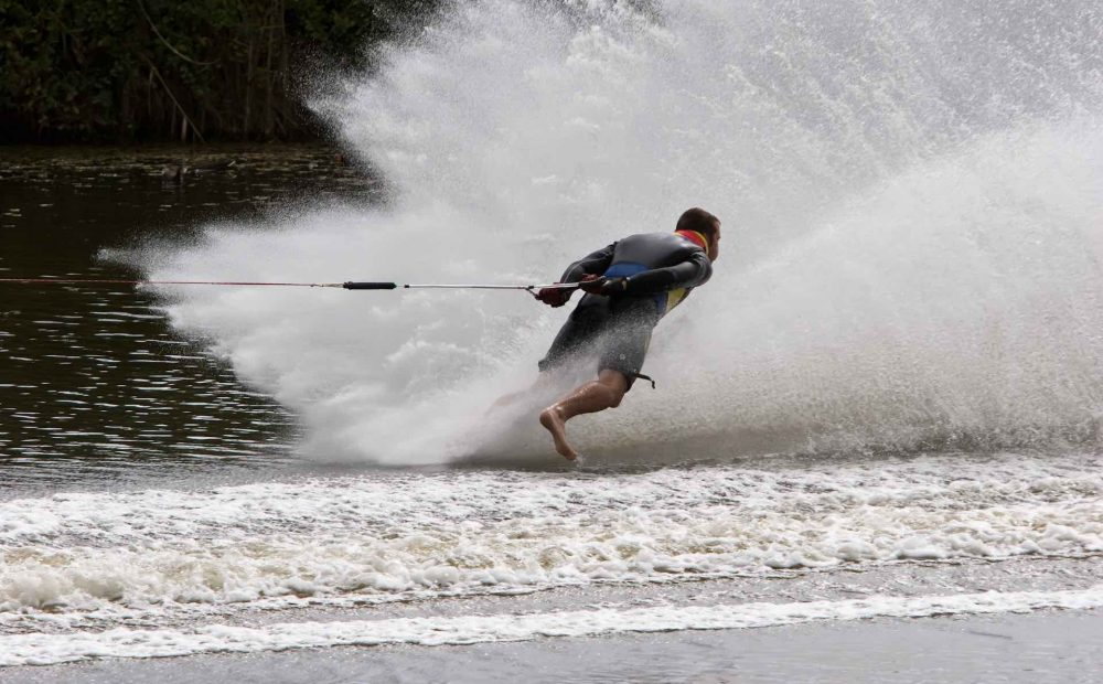 Bare foot ski - Chase Watersports Centre
